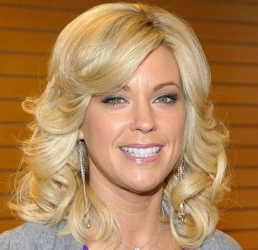 kate gosselin lays low, tells followers she